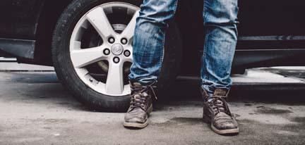 017_Car_Jeans